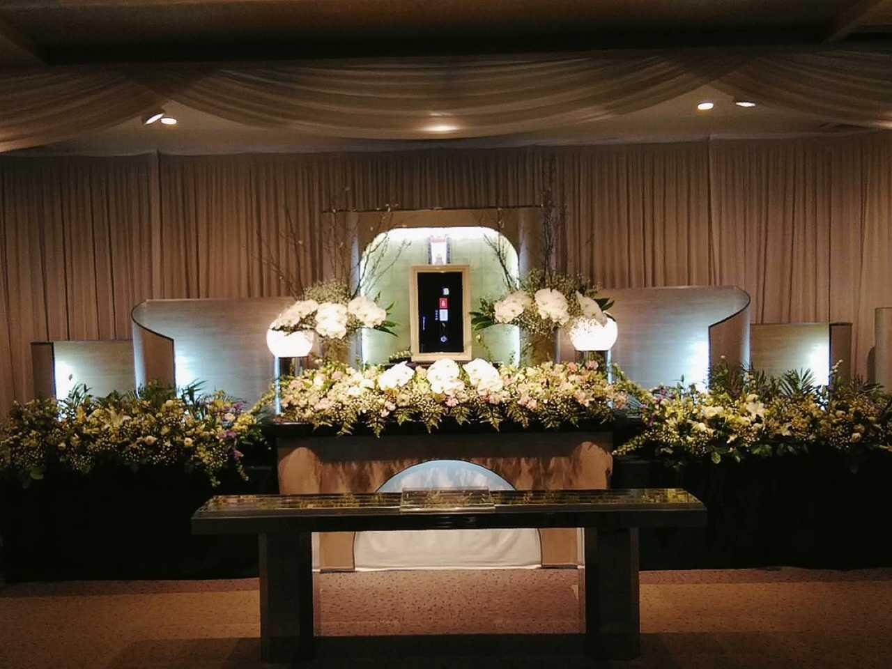 葬儀会館の祭壇を作製いたしました