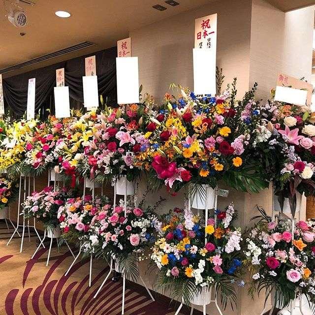 ホテルメトロポリタン仙台へスタンド花の納品がございました。